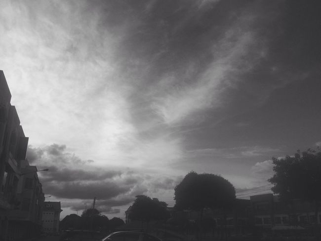 Friday sunset. ☀️⛅️☁️ Monochrome