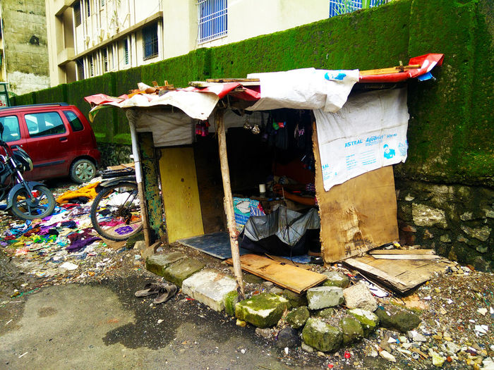 India Mumbai Work Carton Box Day Garbage Govandi Mmrda Outdoors Pillars Slum Slums Unformal
