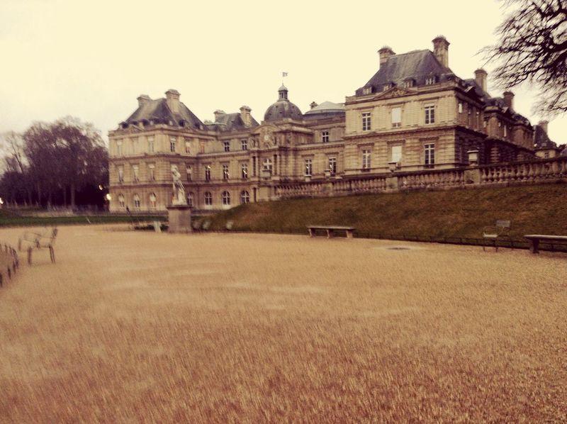 Paris Luxembourg Sénat Park Afterschool