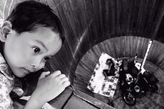 A dream Sekaten - Yogyakarta Children CIRCLE Of LIFE Blackandwhite SocialDocumentary Photography Photooftheday First Eyeem Photo EyeEm Best Shots