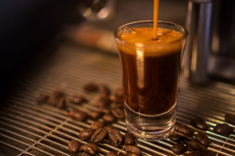 Single shot for a happy day Aceh Caffeine Coffee Coffee - Drink Drink Food And Drink Glass Roasted Coffee Bean