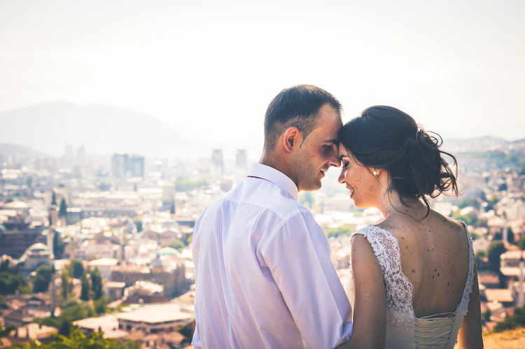 Beautiful City Couple Dress EyeEm Best Shots Groom Happiness Happy Just Married Love Romance Suit Sunny Wedding Wedding Photography Bride Day Flowers Sacred Saturday Togetherness Wedding Ceremony Wedding Saturday Week On Eyeem White