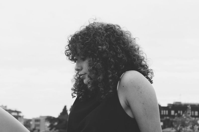 Barbara Curly Hair Real People Rear View Headshot Lifestyles Focus On Foreground Sky Women One Person Outdoors Young Women Day Nature Young Adult Close-up Barbará Ricci Biancoenero Photography Tumblr Blackandwhite Fotografia -CM