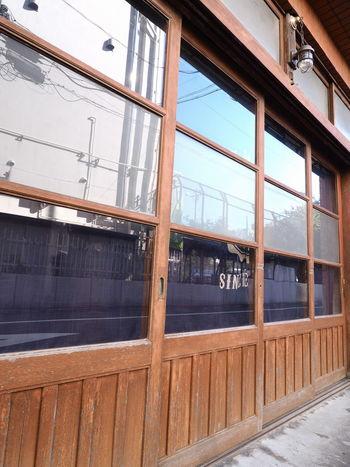 町並み (Townscape atmosphere) Blue Sky Doors Getting Inspired No People Old Buildings Reflection Showcase: November Streetphotography Urbanphotography Window Window Reflections