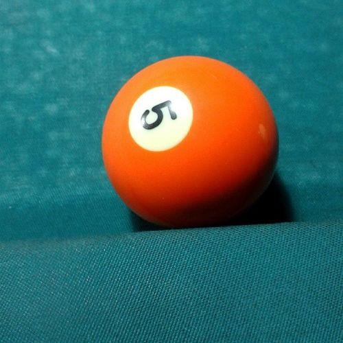 Snooker Pool Pooltable Ball bar play playing minimalist