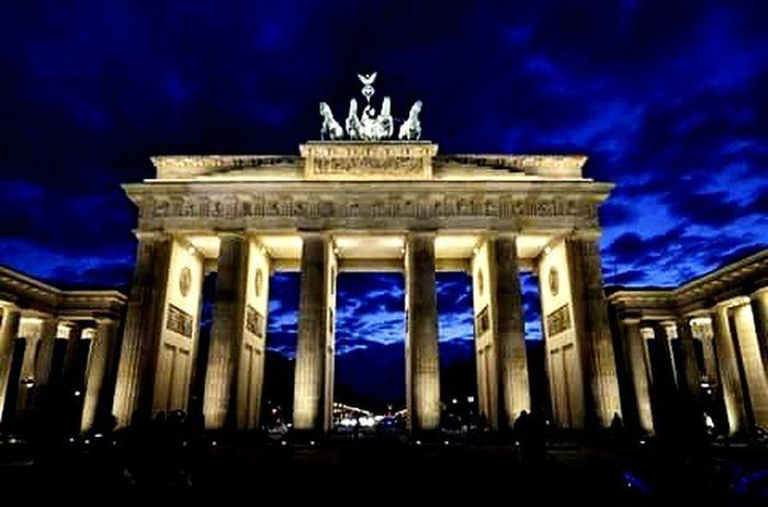 Berlin Brandenburger Tor Magicsky