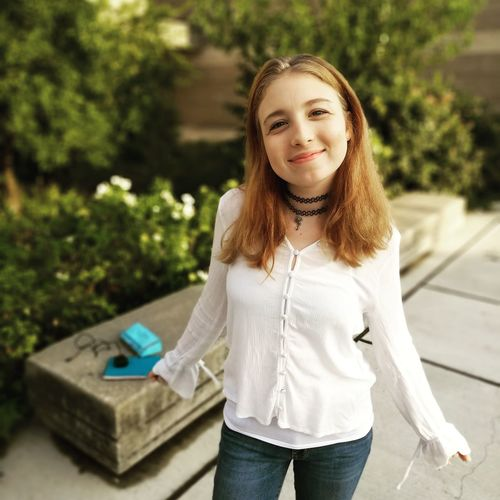 First day of high school Young Women Smiling Portrait Women Happiness Cheerful Beautiful Woman Beauty Beautiful People Front View This Is Natural Beauty