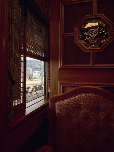 Sitting Around : In The Train Car No2 Compartment Seat 21 Wood - Material Fabric Walking Around Taking Pictures JR KYUSHU SWEET TRAIN「或る列車」 Mode Of Transport View From The Window... 15:30 Kikitsu station, Nagasaki main line. JR Kyushu ( Kyushu railway company ) Luxury Train 25, March 2017 . IPod Touch Photography 33mm No Filter handheld Mirror Reflection / train design Interior Design by Eiji Mitooka+Don Design Associates 水戸岡鋭治