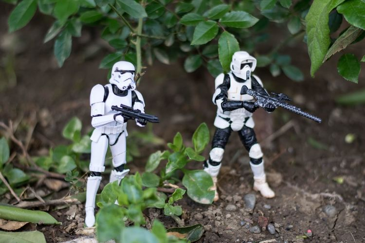 Rendezvous's with the ground forces for weapons and the next mission. Toycommunity Toyphotography Speederbike Scout Trooper Toysoutdoors Toysoldiers Toyunion Starwars Toycollector Toycrewbuddies First Eyeem Photo Stormtrooper