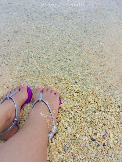 Shore is fun. Shore Elnidopalawan Enjoyingthesun Summer Ilovethesea Photography Leimeafotografia Barefoot Holiday POV Eyeem Philippines