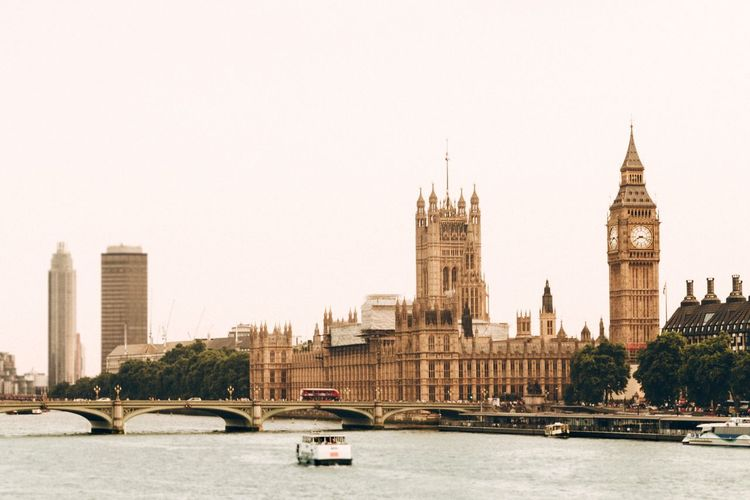 EyeEm Selects Architecture Transportation River Mode Of Transport Built Structure Car Building Exterior City Bridge - Man Made Structure Travel Destinations Land Vehicle Outdoors Clock Tower Day Water Nautical Vessel Skyscraper Clear Sky No People Cityscape London Bigben House Of Parliament
