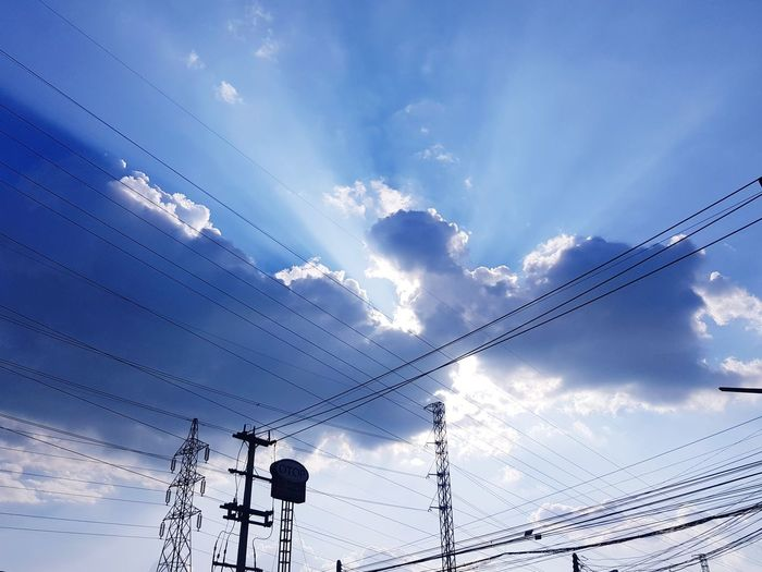 Cloud - Sky Bird Cable Flock Of Birds Sky Technology Low Angle View Power Line  Electricity  Animals In The Wild Animal Wildlife Flying No People Telephone Line Large Group Of Animals Nature Outdoors Animal Themes Day