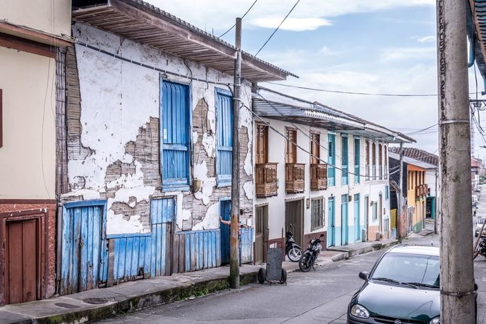 Architecture Built Structure Building Exterior House Sky Day Outdoors Residential Building Cloud - Sky Photos Around You Photo Of The Day Photography In Motion Photooftheday Photography Photo Colombia Filandia City Landscape