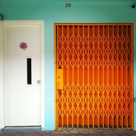 The pure white, bright orange and tiffany blue. What's there not to love about this eclectic mix of Hues . Sundayhues Hajilane Singapore Travelphotography Lifeissweet
