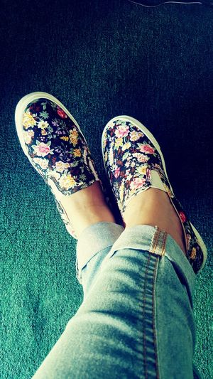 Kotd Floral Shoes Shoeselfie Shoes Sneakers Slip On Sneakers Floral Kicks Of The Day