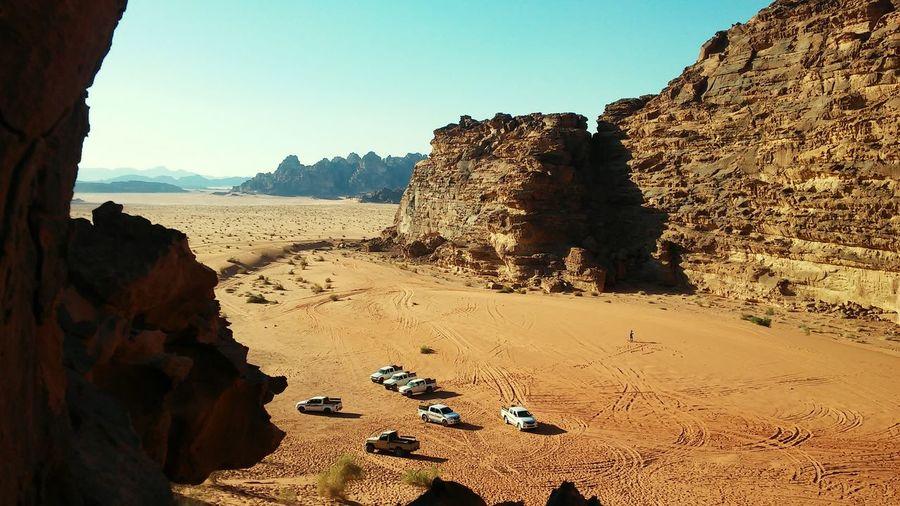 Wadi Rum Jordan Shareyourjordan Happy By Me 👆 Hello World Sunset Topofthemountain Veiw From The Top Happy :) 🌏