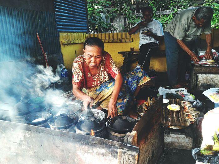 "The power of ""Seurabi"" 💕 Casual Clothing Person Day Traditional Culture Food Traditional Food (Surabi Oncom) Wonderful IndonesiaCirebon  Jawabarat Obelixphotohraphy"