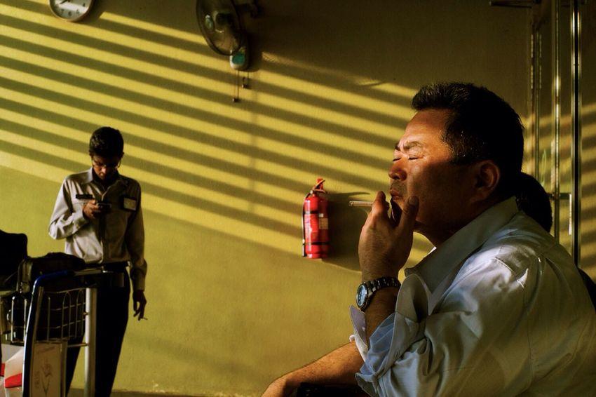 Darkness And Light Streetphotography Colour Yellow LeicaM9 50mmSummicron 50mm Wirokesuma