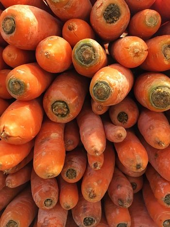 Backgrounds Healthy Eating Orange Color Food And Drink Vegetable Food Freshness Large Group Of Objects Retail  Market For Sale Healthy Lifestyle Carrots Möhren Karotten Orange Farmers Market