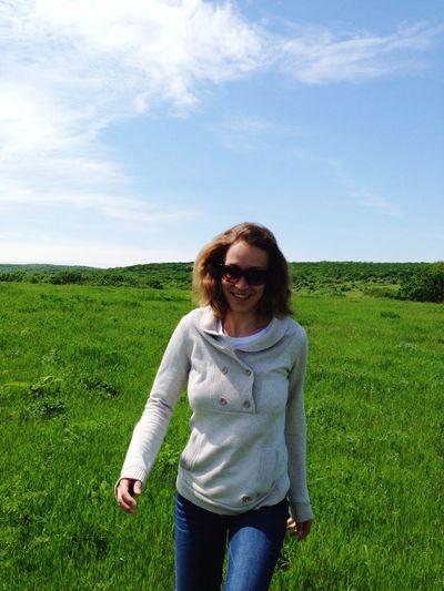 Breeze and green meadows make me feel so happy 🌱🍀 First Eyeem Photo поле зелёная трава счастьеесть русская природа Mothernature