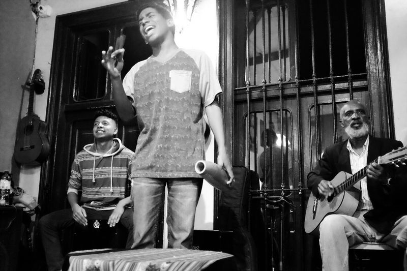 Musica Afroperuana Musicians Afro Peruvian Artists Singer  Peruvian Lifestyle Black And White Black And White Photography Enjoy The New Normal