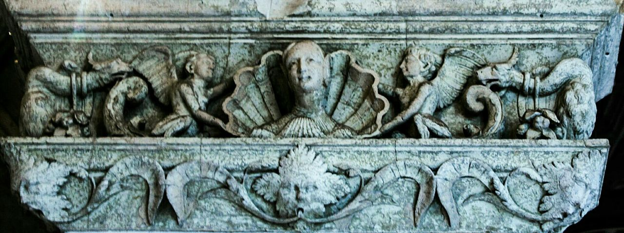 Full Frame No People Close-up Textured  Architecture Indoors  Sculpture Chapitel Capitel Relieve Friso Detail Pau, France Castle Interior France