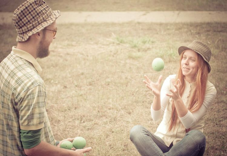 One autumn ago... And I didn't know that become a juggler)) Lifestyles In Love In Juggling Juggling Be A Juggler Jugglingballs Beginning Hats