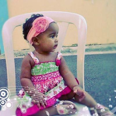 La chiquindola comparona en su Birthday.. Daughter Lia Happy1stbirthday