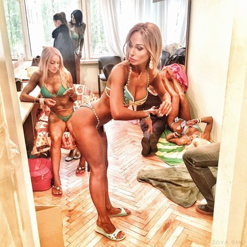 Backstage of bodybuilders contest Adults Only BodyBuilder Bodybulding Fitness Model BodybuilderLifeStyle Mirror Women Of EyeEm Women Girls Ladies Female Female Model EyeEmNewHere Girl Body & Fitness Body Sporty Beautiful Checking Young Adult Backstage Contest Competition Humans
