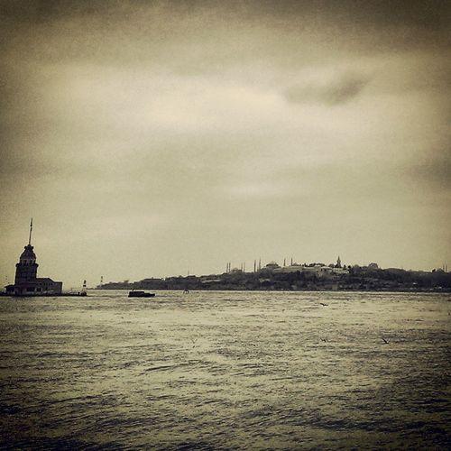 Monochrome Kiz Kulesi Istanbul #bogaz iş