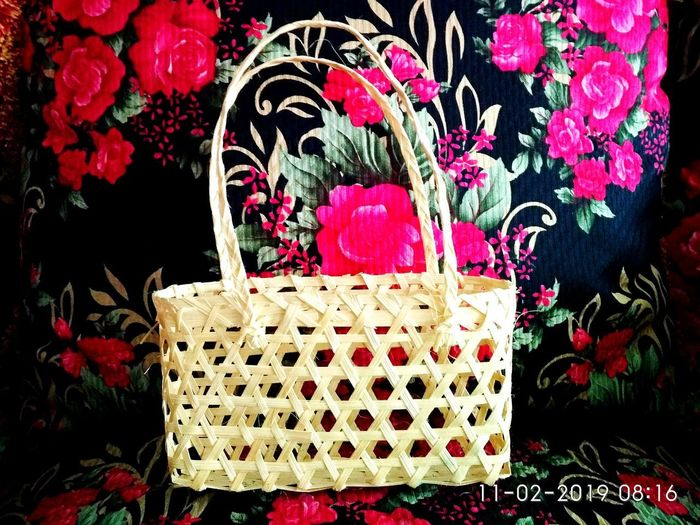 hand bag in the chair Hand Bag Bamboo Hand Bag Bamboo Hand Made Chair Bamboo Flower Christmas Decoration Christmas Celebration Red Heart Shape Close-up