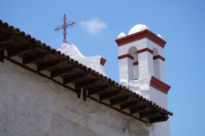 #church #pueblomagico #tapijulapa Architecture Blue Building Exterior Built Structure Clear Sky Day History No People Outdoors Roof Sky Travel Travel Destinations