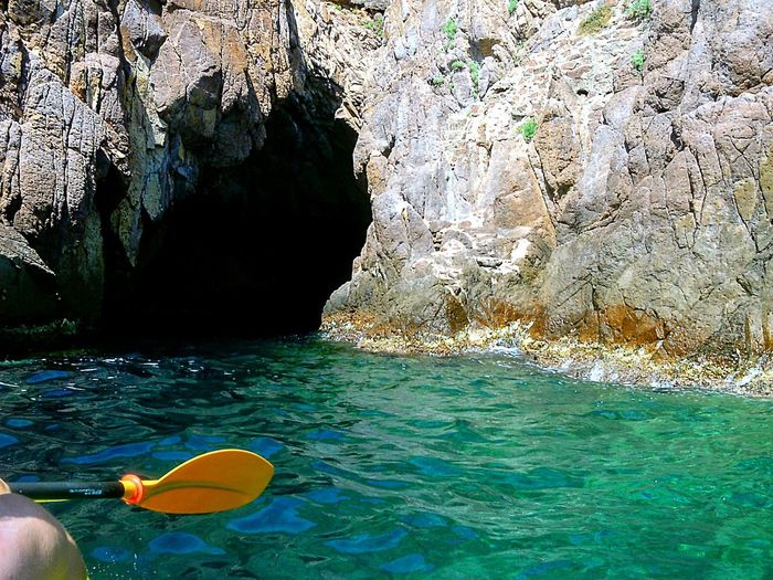 Paddling in south France Blue Rocks Paddle Paddleboarding France Straphael StTropez Beautiful Sea Mer Exploring Meer Water Nature Sea Day Outdoors Rock Beauty In Nature Sunlight Sport Leisure Activity Waterfront Floating On Water Lifestyles Scenics - Nature Tranquility