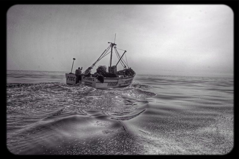 (Suena el mar) prefiero seguir tus pasos (Suena el mar) prefiero seguirte... Going On A Boat Ride Popckorn The Storyteller - 2014 Eyeem Awards