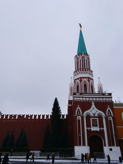 Kremlin Travel Destinations Architecture History Religion Politics And Government Façade Built Structure Ancient Outdoors Large Group Of People People City Day Sky Tree Kremlin Architecture Russia 3XSPUnity EyeEm Selects