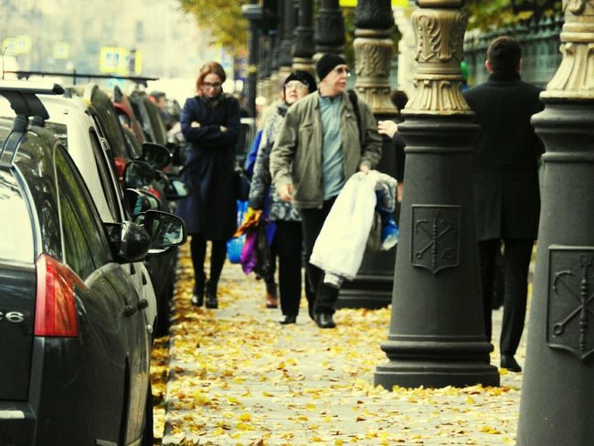 Walking City Life Day Group Of People Cars Autumn🍁🍁🍁 Colors Of Sankt-Peterburg Tavrichesky Garden Colors And Patterns Sankt-Petersburg Russia
