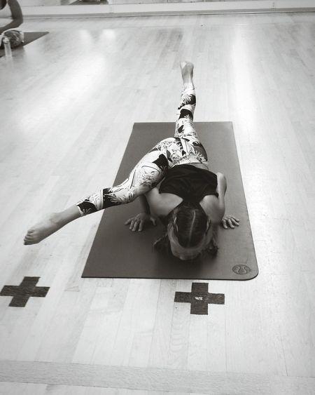 Yoga Yoga Pose Yogalove Yoga Pants Yogi Yoga Practice Balance Namaste Blackandwhite Lululemon Montra Fitness Health Mind  Yogagirl Yogalife Goals Befitbehealthy