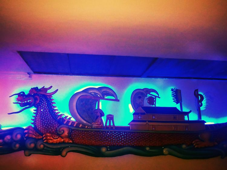 Dragon Architecture Design Designer  Wall ArtWork Mural Embossed Engravings Traditional Chinese Culture Tradition Arts Culture And Entertainment Restaurant Food Food And Drink Dining Family Time No People Indoors  Nightlife Neon Lights And Shadows EyeEmNewHere