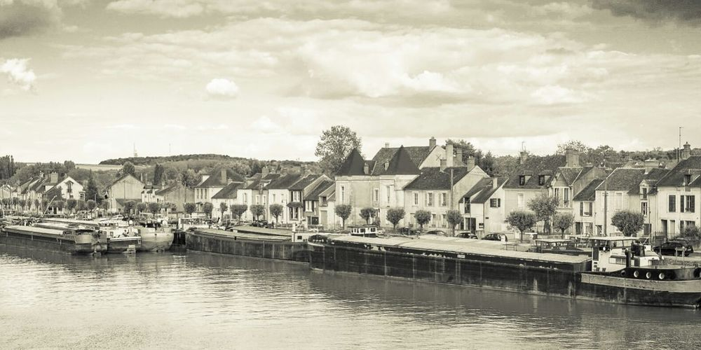 France Saint Mammės Landscape Riverside Village Monochrome Black And White