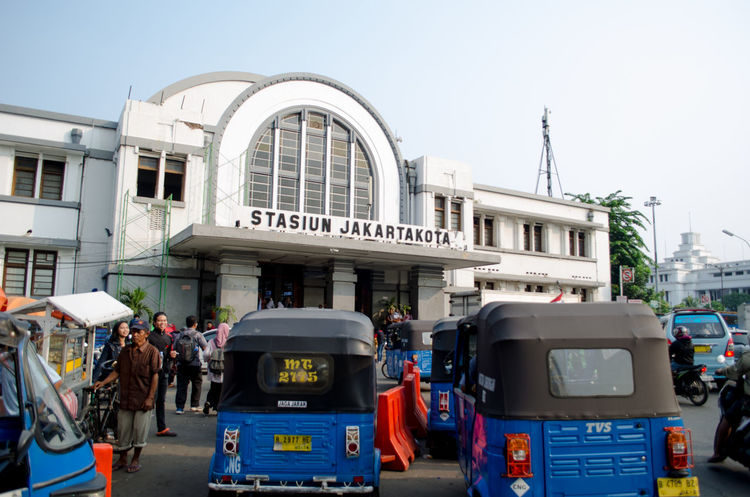The busiest train stations in Jakarta... Transportation Building Exterior Architecture Public Transportation Transportation Building - Type Of Building The Great Outdoors - 2016 EyeEm Awards The Innovator Hello World The Street Photographer - 2016 EyeEm Awards Enjoying Life That's Me The Architect - 2016 EyeEm Awards