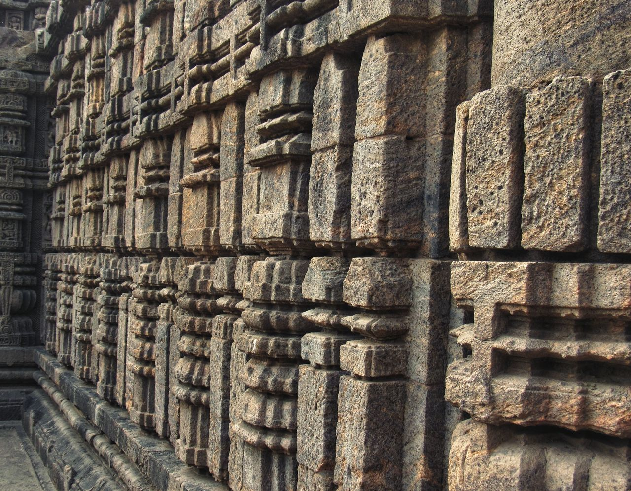 Konark Sun Temple KONARK TEMPLE Konark Sun Temple Konark Backgrounds Full Frame Pattern Close-up Architecture Block Arrangement Low Angle Architectural Detail Textured  LINE In A Row Side By Side