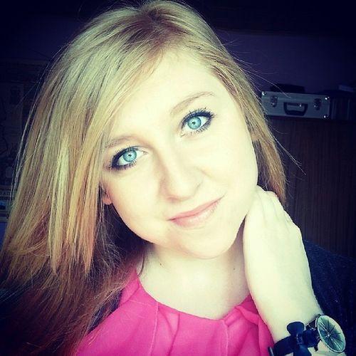 Piatek Piateczek Piatunio ♡ Weekendzik friday home selfie blonegirl blue eyes polishgirl smile happy sunnyday