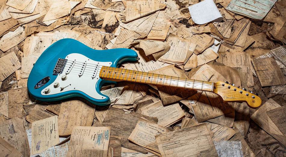 Wood - Material Music Musical Instrument String Instrument High Angle View Guitar Musical Equipment No People Arts Culture And Entertainment Indoors  Still Life Day Wood Man Made Man Made Object Flooring String Two Objects Electric Guitar Fender Fender Stratocaster EyeEmNewHere