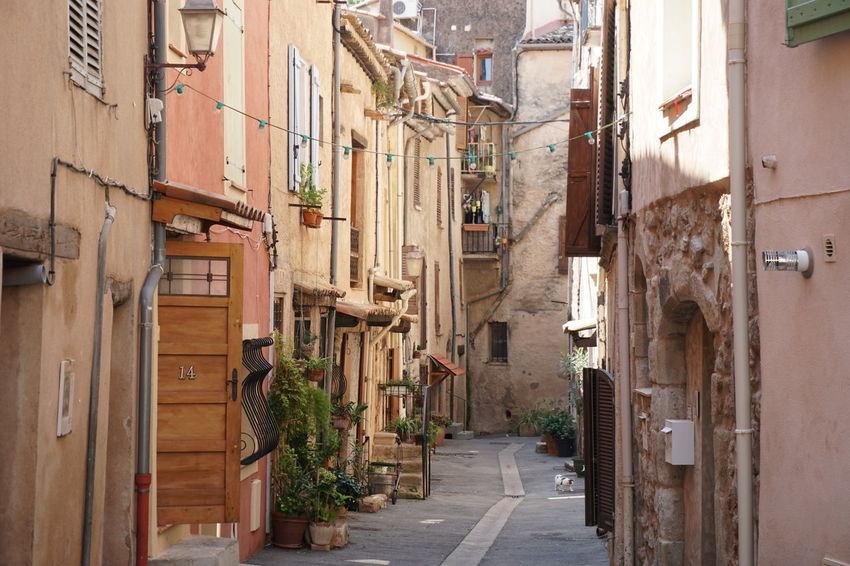 Architecture Building Exterior Built Structure Building Residential District City Narrow Street Day Direction The Way Forward Town Alley Footpath House Outdoors Nature No People Transportation Apartment Long Provence