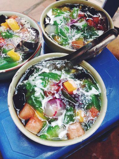 nhìn thì lung linh mà ăn thì như đấm Colourful Dessert Vietnamesefood