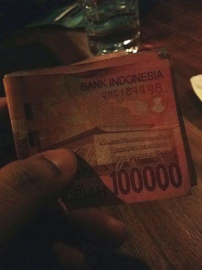 Burning some Indonesian Rupees during the break Holiday Gili Trawangan Lombok-Indonesia