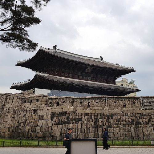 Heunginjimun Dongdaemun East Gate Gate Of Rising Benevolence originally built in 1398 renovated in the 15th century and rebuilt in the 19th Korean History one of the 8 gates of seoul in the Fortress Wall Of Wall Tripwithson2017 Tripwithsonmay2017 Seoul South Korea