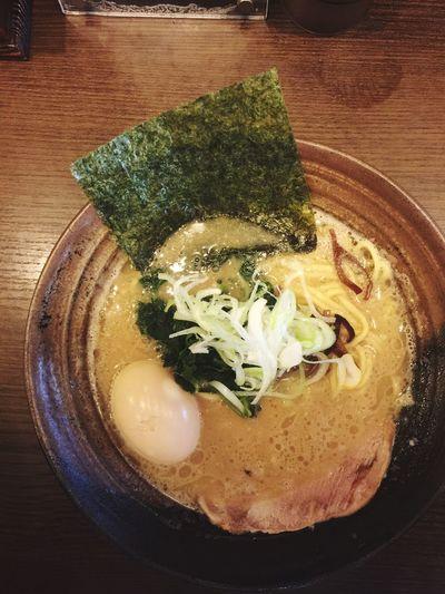 いったい何がいけなかったの?これを食べたあとお腹を壊しました。゚∵・(ノД`)∵゚。 うえええん豚骨らしい豚骨味ほうれん草に木耳にノリに叉焼文句ナシに美味しかったのに。。 お腹を壊すぐらいでへこたれない Kyoto Enjoy Eating Vscocam #vsco Vscocam ラ女子 ラーメン ラヲタ Ramen 一乗寺 久しぶりの京都一乗寺でした。