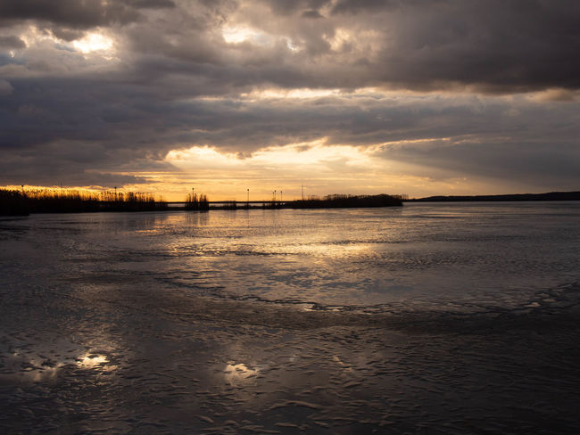Sky Cloud - Sky Water Sunset Beauty In Nature Scenics - Nature Tranquility Beach Land Sea Tranquil Scene Nature No People Reflection Idyllic Outdoors Non-urban Scene Remote