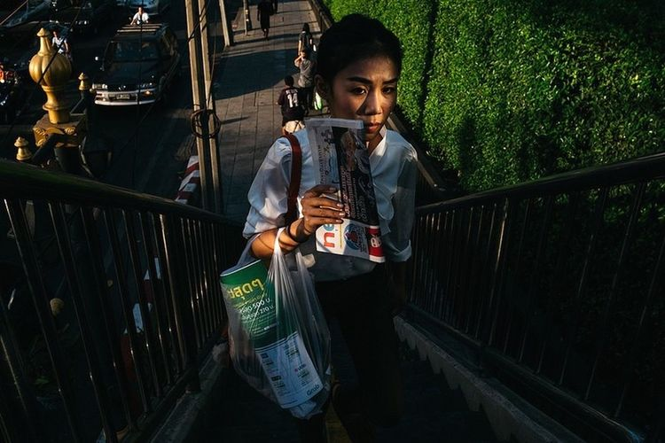 Streetphotography Bangkok Thailand. Yoonjeongvin One Person Wireless Technology Adult People Holding Stories From The City The Street Photographer - 2018 EyeEm Awards